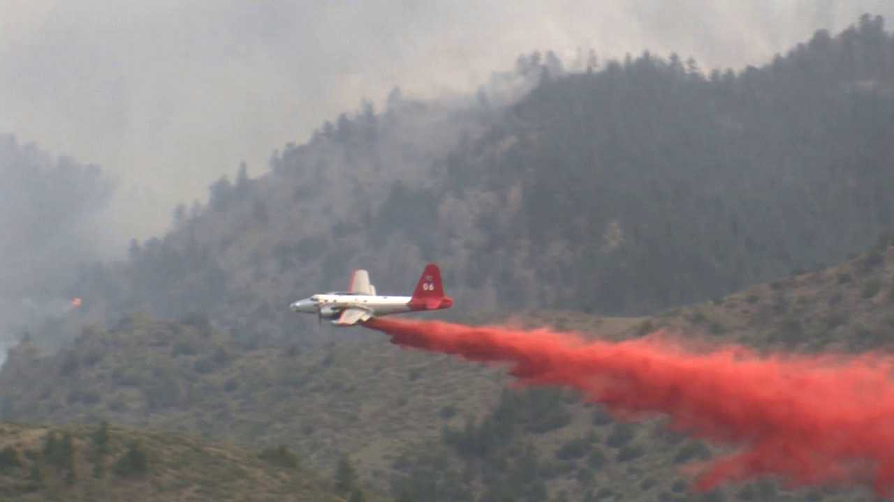 Air tanker makes retardent drop at High Park Fire, Larimer County, Colo.