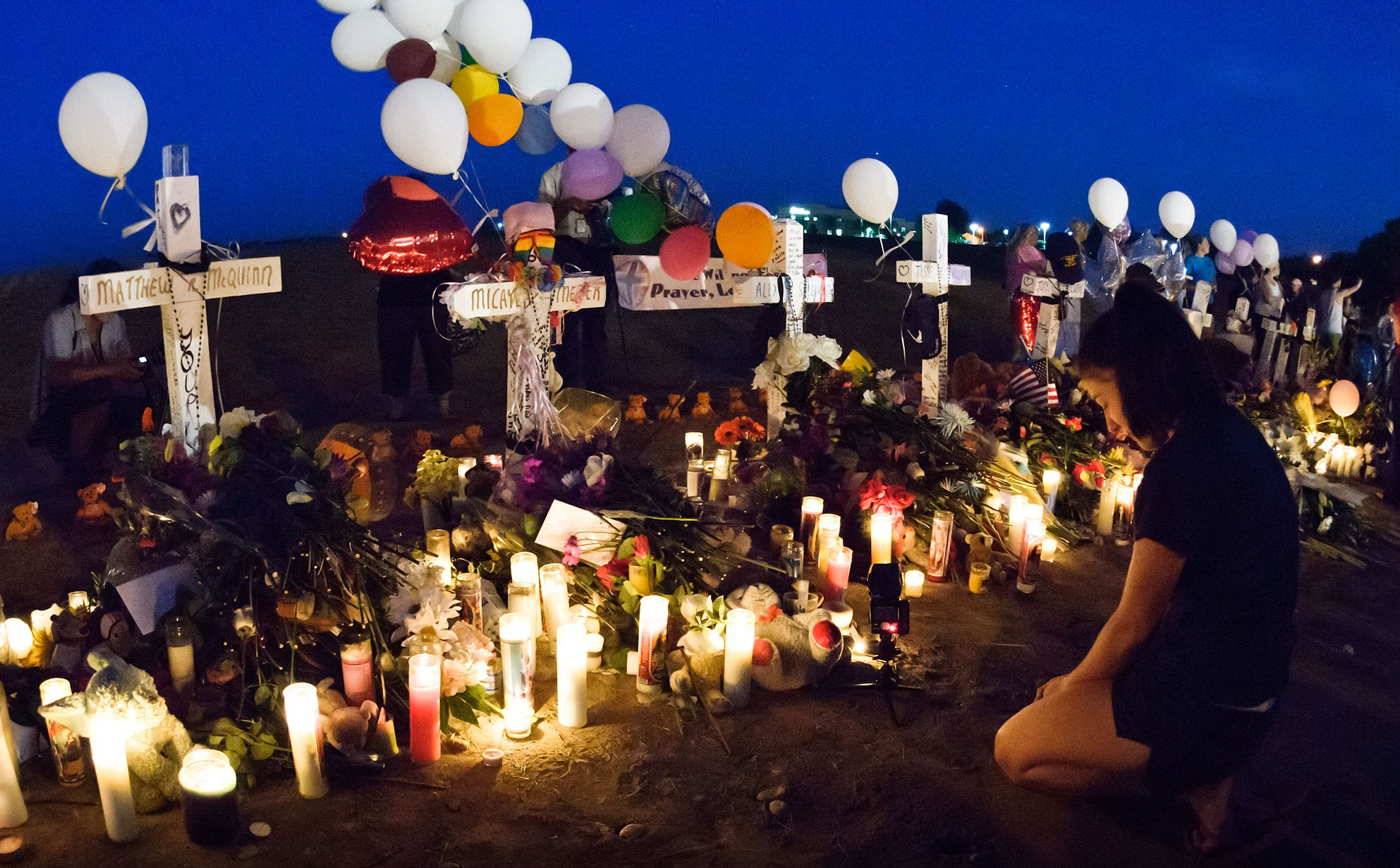 A memorial to victims of the Aurora theater murders. (Credit: David Harpe)