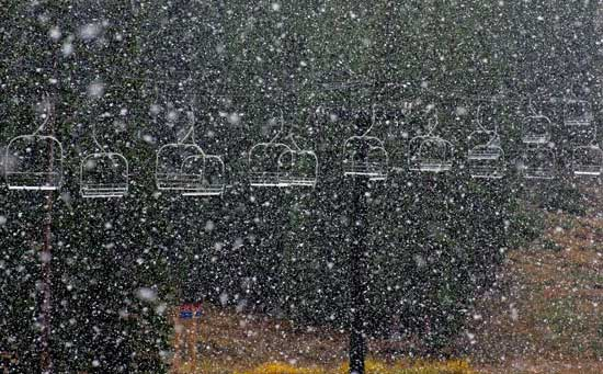 Snow falls at Loveland Ski Area in Colorado on Sept. 25, 2012. Photo: Dustin Schaefer/Loveland Ski Area