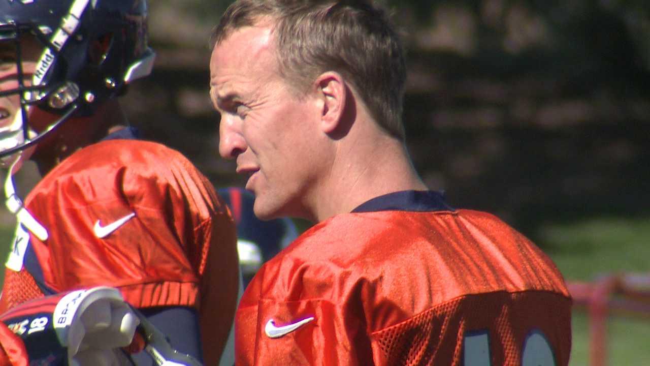 Peyton Manning at Broncos practice. Oct. 17, 2012