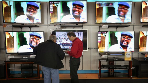 Brand name HD TVs are one of the items to skip on Black Friday, according to shopping specialists. (Photo: CNN)
