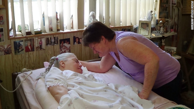Colleen with Edwarda on her last birthday in 2012. (CNN)