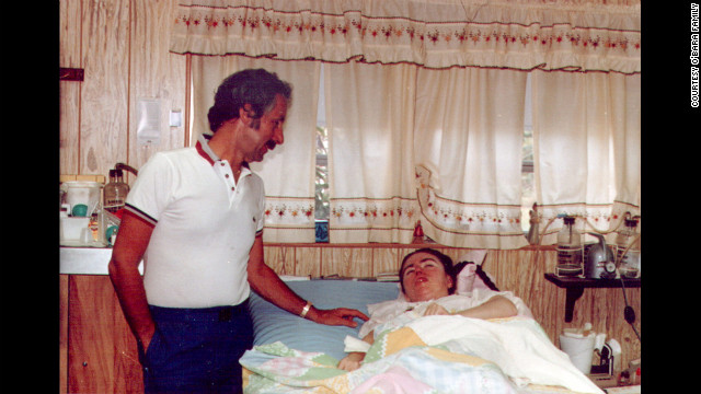 Dr. Louis Chaykin cared for Edwarda for decades. Chaykin pledged to treat Edwarda for free, setting up an IV for fluids and the feeding tube through her stomach. (CNN)