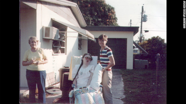 In 1985, Edwarda was taken outside for the last time. After the woman who helped the family moved away, they were no longer able to take Edwarda outdoors. (CNN)