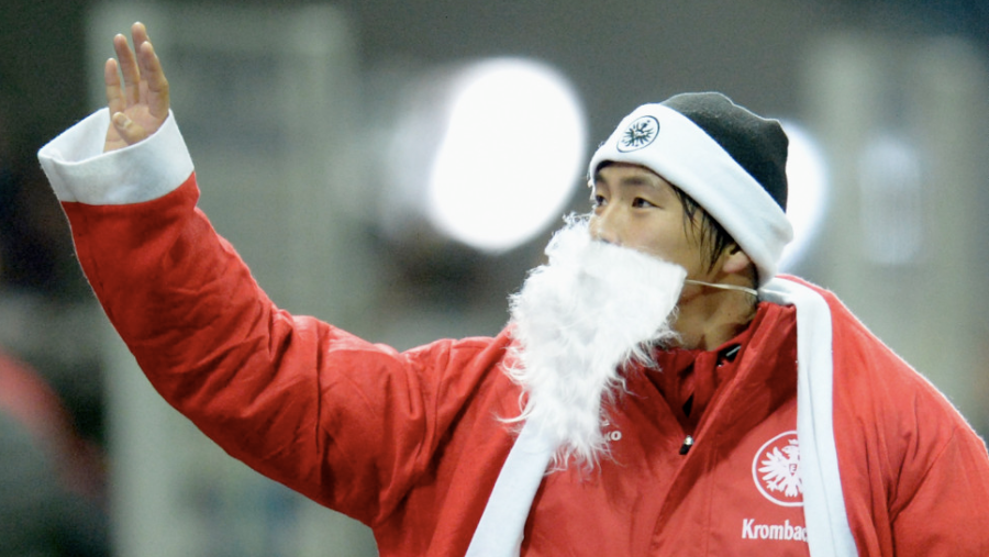 Takashi Inui of Frankfurt, Germany, celebrates dressed as Santa Claus after the Bundesliga match between Eintracht Frankfurt and SV Werder Bremen on December 8 in Frankfurt am Main, Germany. Eintracht won 4-1. (Photo: CNN)
