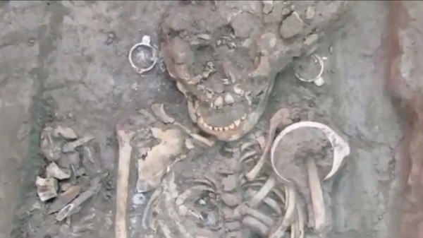 Images of alien-like skulls found just outside of Mexico City. (Photo: YouTube)