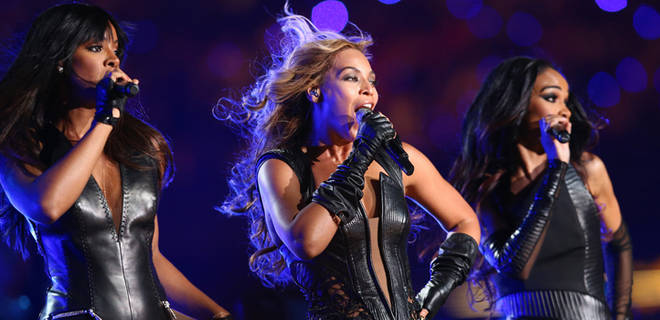 Beyonce reunites with Destiny's Child during the halftime show (FOXSports.com)