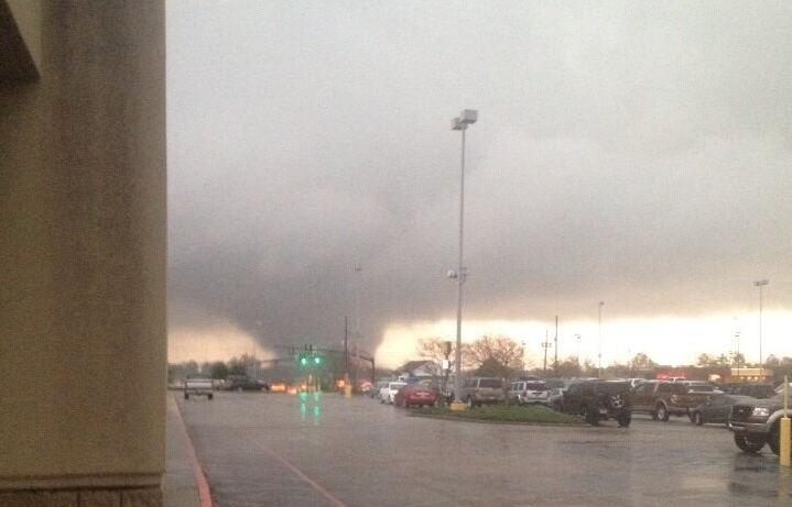 A tornado touched down in southern Mississippi on Sunday, injuring at least three people. (Credit: TracyeWMPrewitt via Twitter)