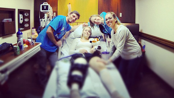 Lindsey Vonn tweeted this photo out on Feb. 11, 2013, a day after surgery on her knee. She and doctors proclaimed the procedure a success. (Photo: Twitter/@lindseyvonn)
