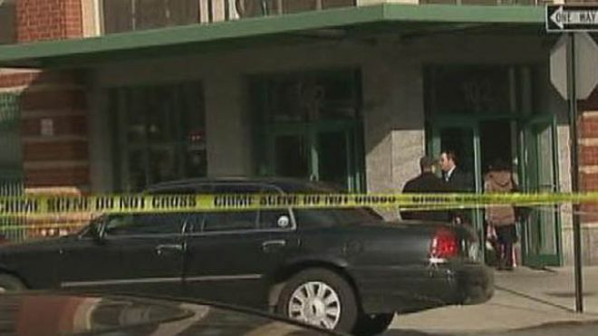 Police respond after a woman and her baby are found after a fall out a New York window on March 14, 2013. (Photo: MyFoxNY.com)
