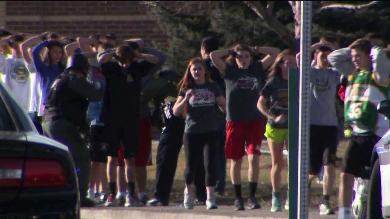 Students outside Arapahoe H.S.