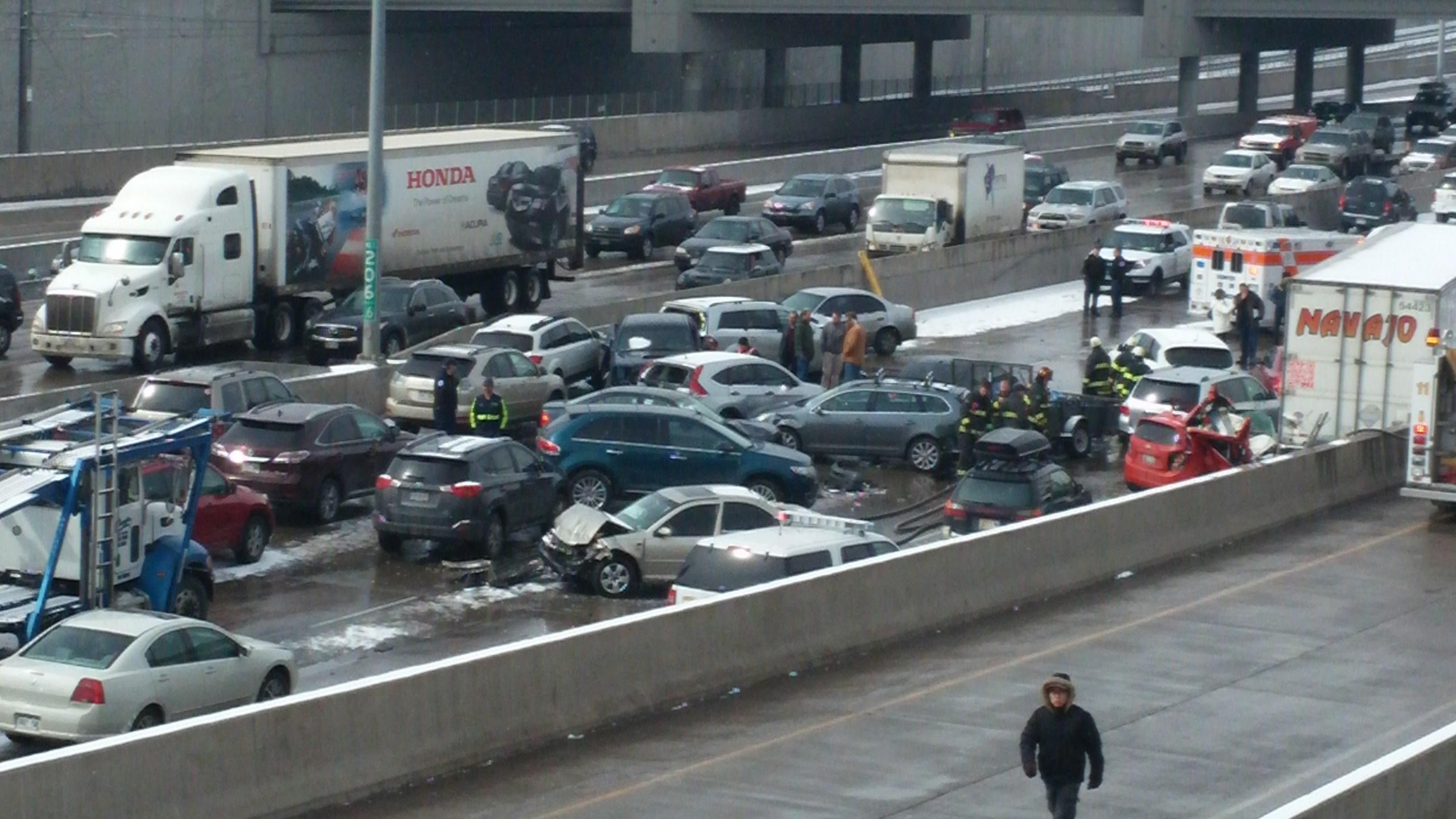 I-25 104-car pile-up