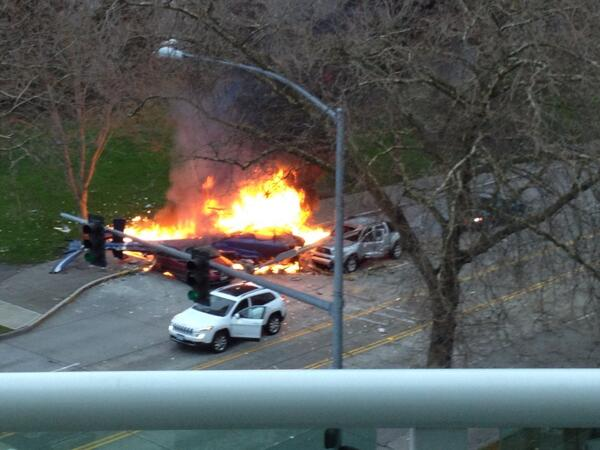 Two were killed when a KOMO-TV news helicopter crashed on Broad Street in Seattle near the Space Needle on March 18, 2014. (Photo: Michael Harthorne/KOMO News)
