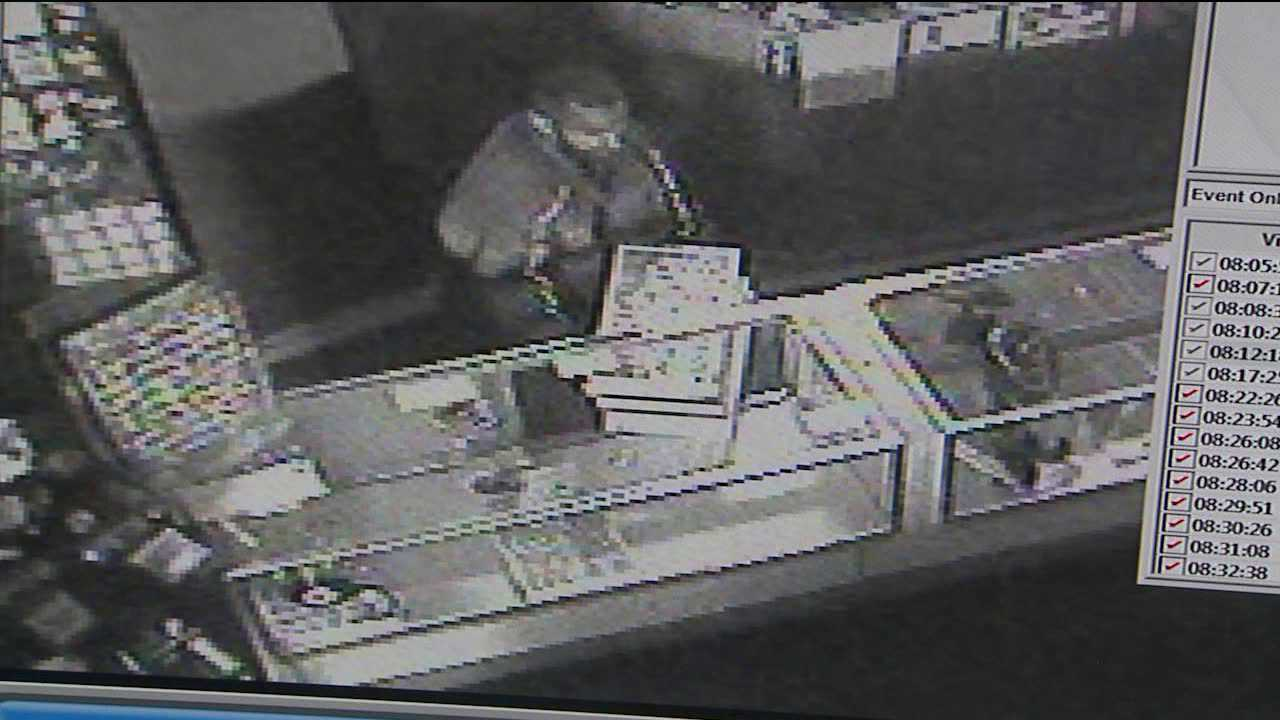 Surveillance video shows suspect in jewelry theft