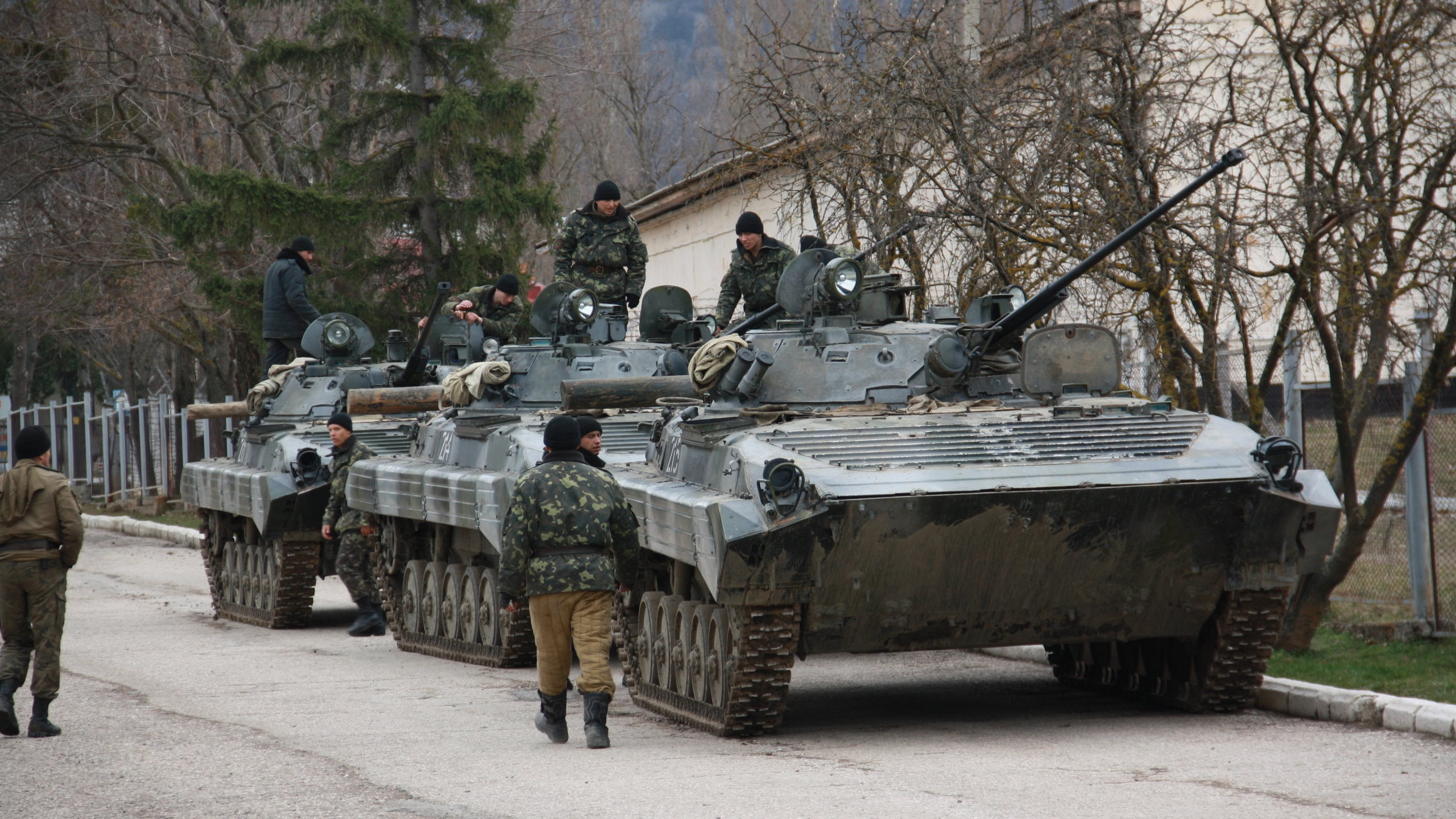 Russian military forces block a Ukrainian military base in Perevalne Sunday, March 2, 2014. Photo: Ukrainian government via CNN
