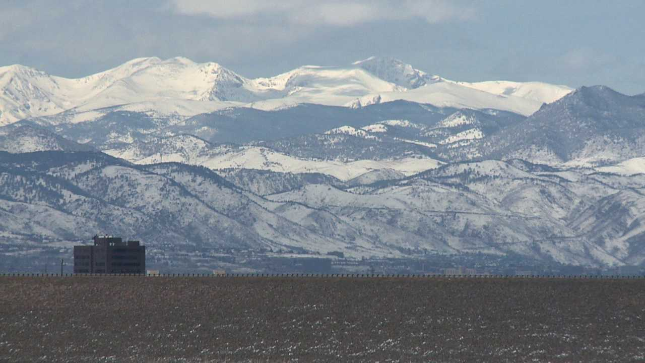 Heavy mountain snowpack in April 2014