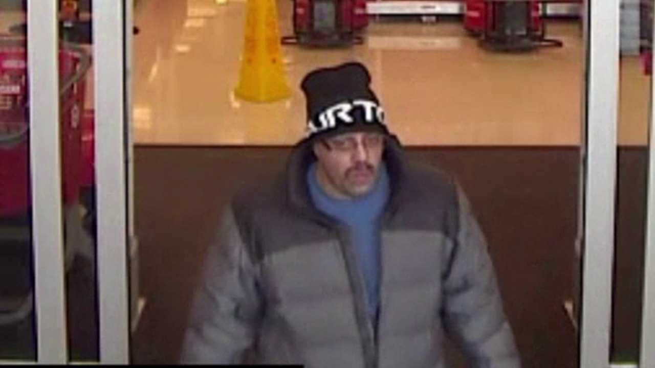 Suspect 'Steve Lock' wanted for credit card fraud. Courtesy: Lakewood Police