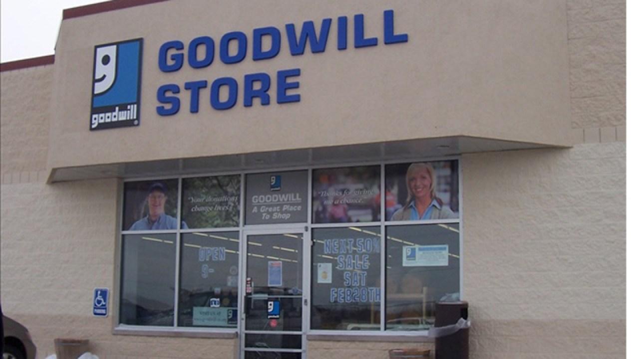 Di mana untuk drop off Goodwill sumbangan selama COVID-19 menginap-di-rumah rangka