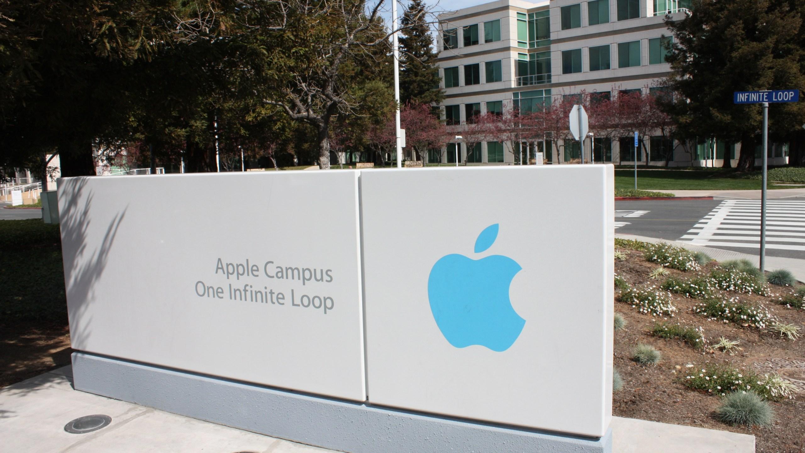 The Apple headquarters at 1 Infinite Loop, Cupertino, California. (Photo: CNN)