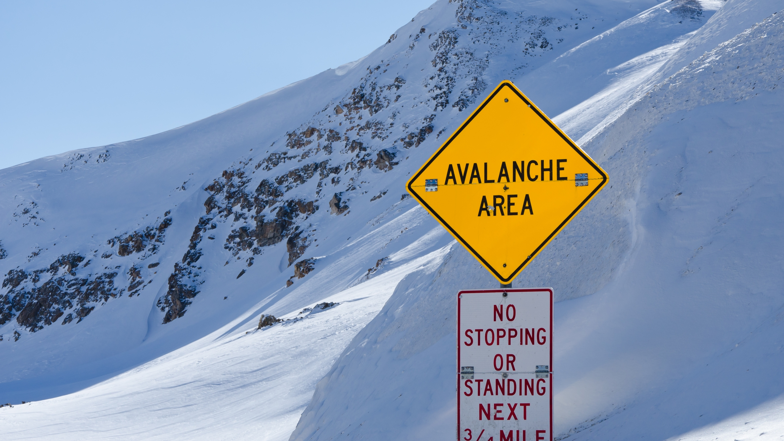 Avalanche sign Loveland Pass