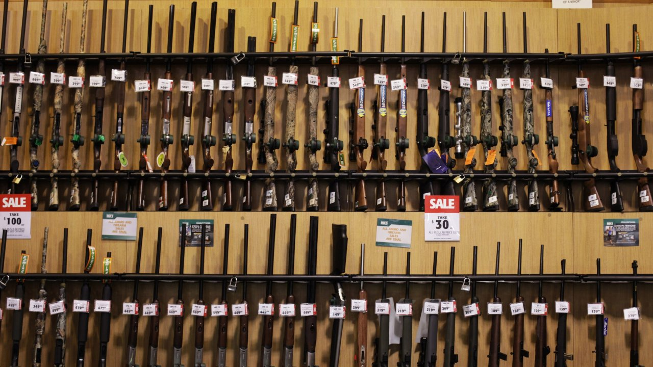 Colorado gun verdoppelt sich der Umsatz; Zustand versuchen zu halten mit der Nachfrage für hintergrund-Kontrollen
