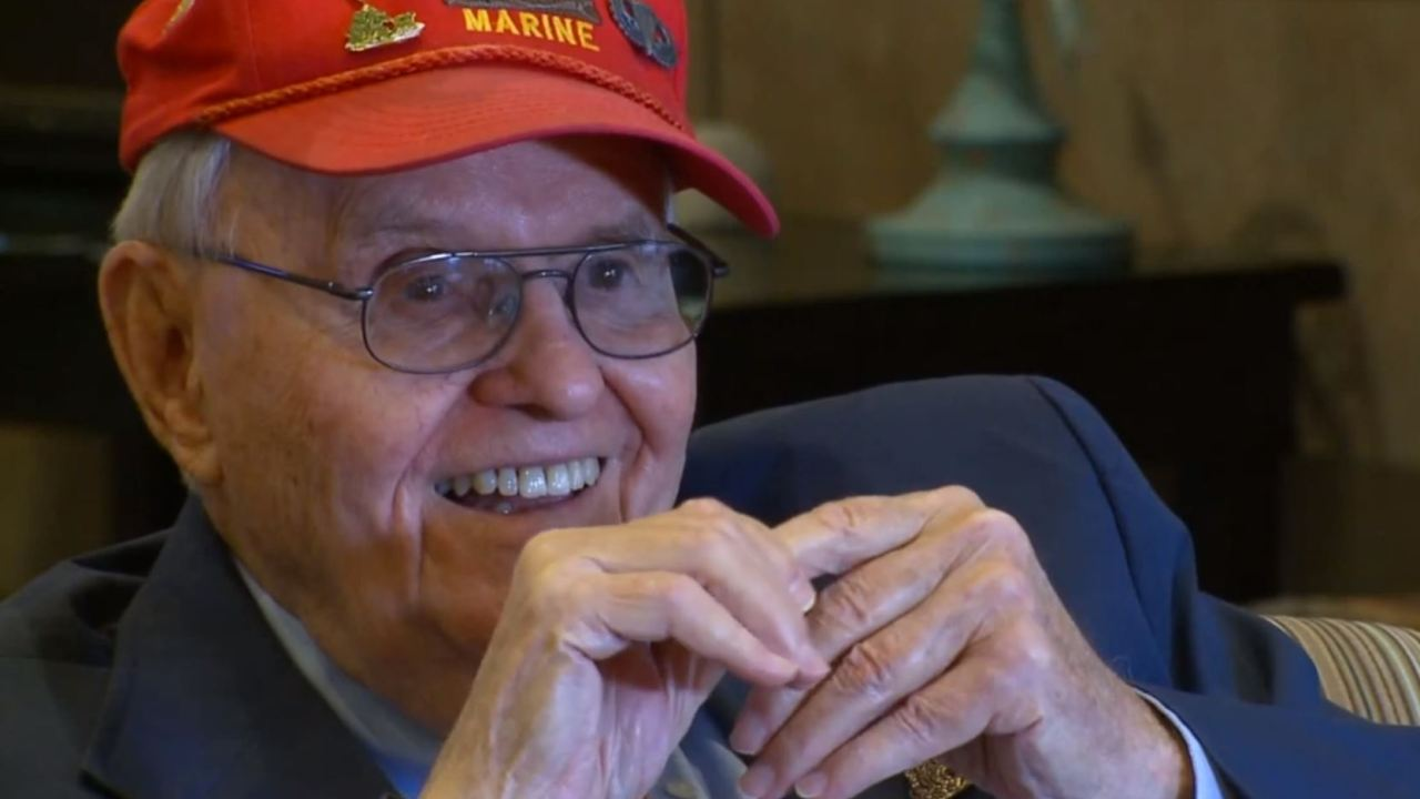 94-year-old βετεράνος του β ' παγκοσμίου πολέμου για να συναντηθεί με τον Πρόεδρο Ατού στο Κολοράντο Σπρινγκς ράλι