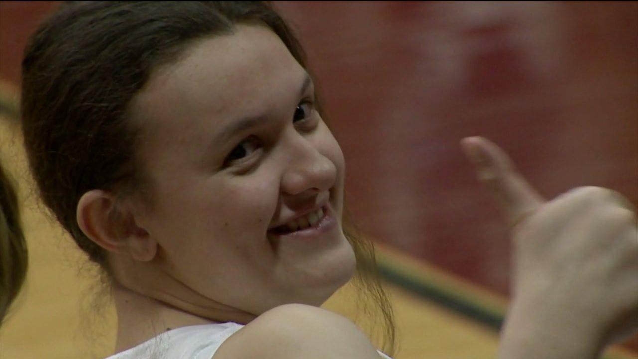 17歳のソーントンバスケットボール選手を受け忘れられないバレンタインデーギフトからの仲間