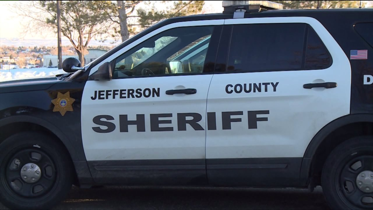 JeffCo parks tagged with graffiti, Sheriffs office Untersuchung