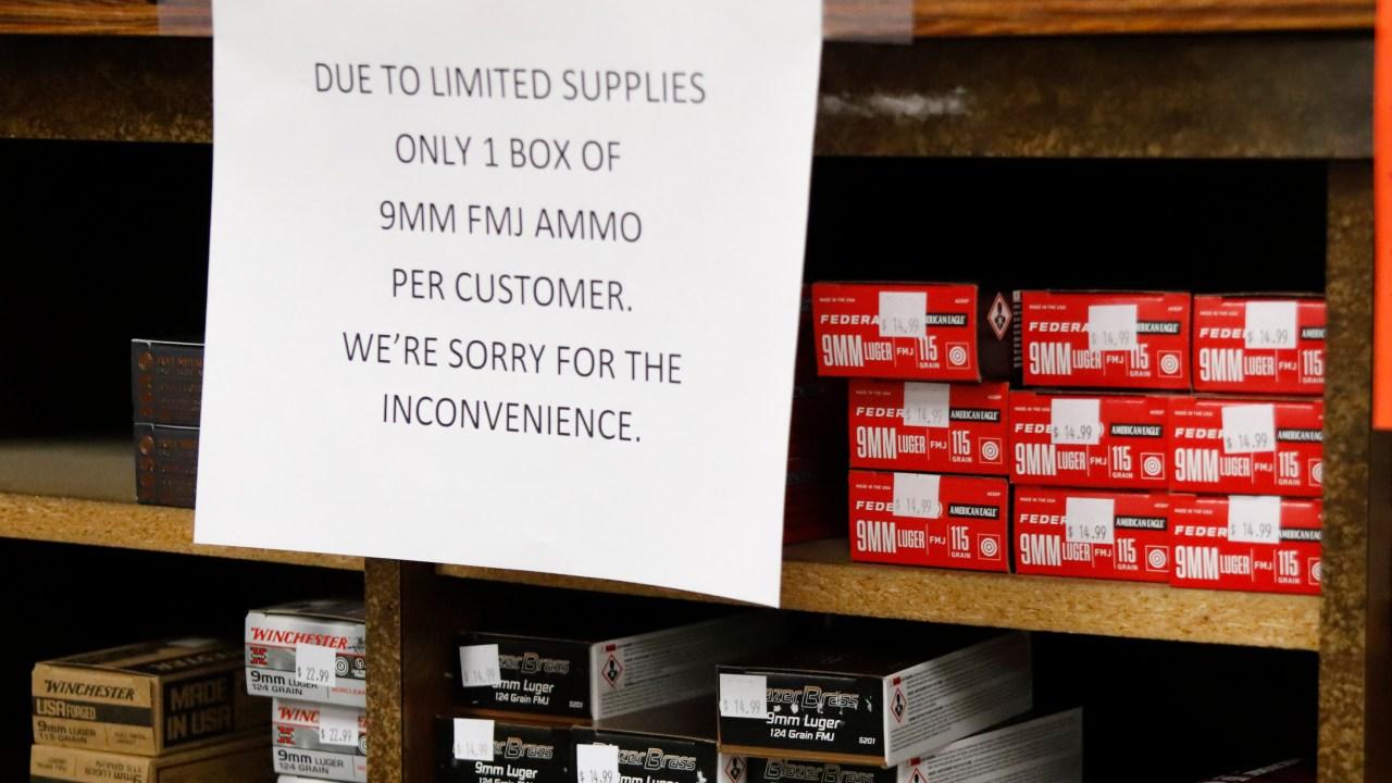 Sind gun Shop 'wesentlichen' Unternehmen während einer Pandemie?