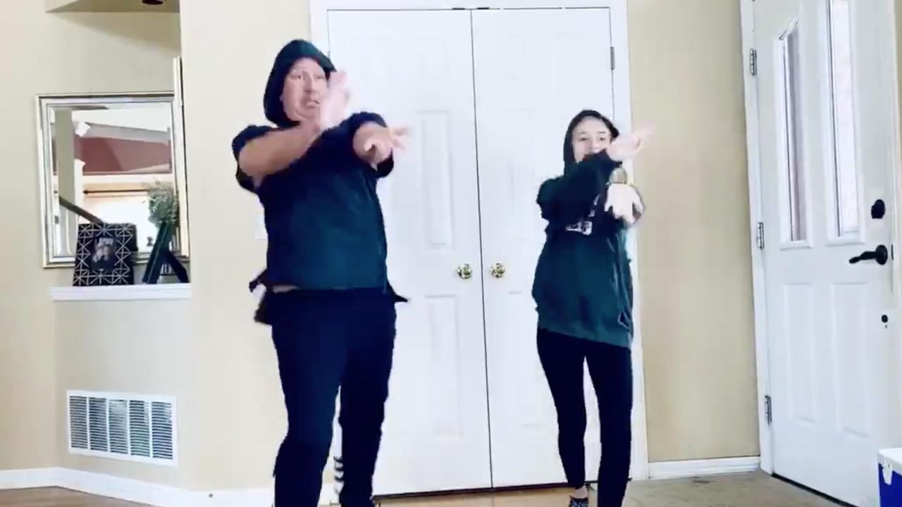 Πάρκερ, ο μπαμπάς, η κόρη είναι coronavirus χορό βίντεο παίρνει 4M θέα