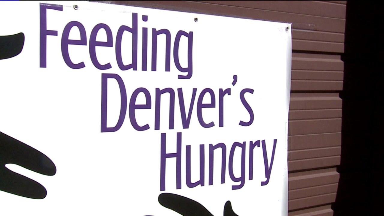 Ντένβερ μη κερδοσκοπική τροφών βοηθώντας αυτούς που έμειναν άνεργοι λόγω COVID-19