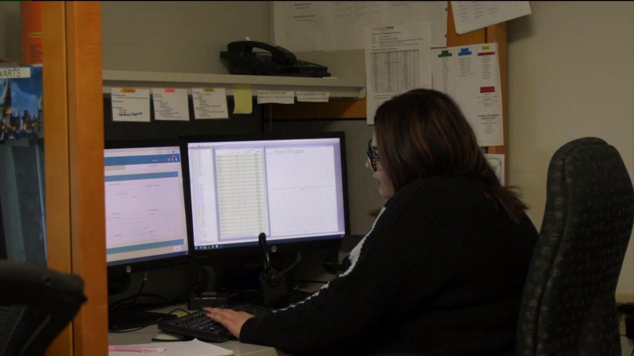 Αξιωματούχοι του κολοράντο κλήση μείωση της παιδικής κακοποίησης γραμμή κλήσεις κατά τη διάρκεια COVID-19 πανδημίας