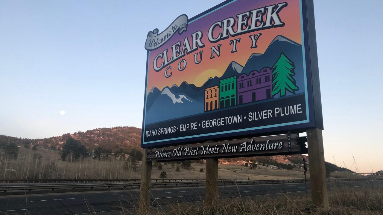 クリアクリーク郡考慮した閉館の隣のブロックの訪問者