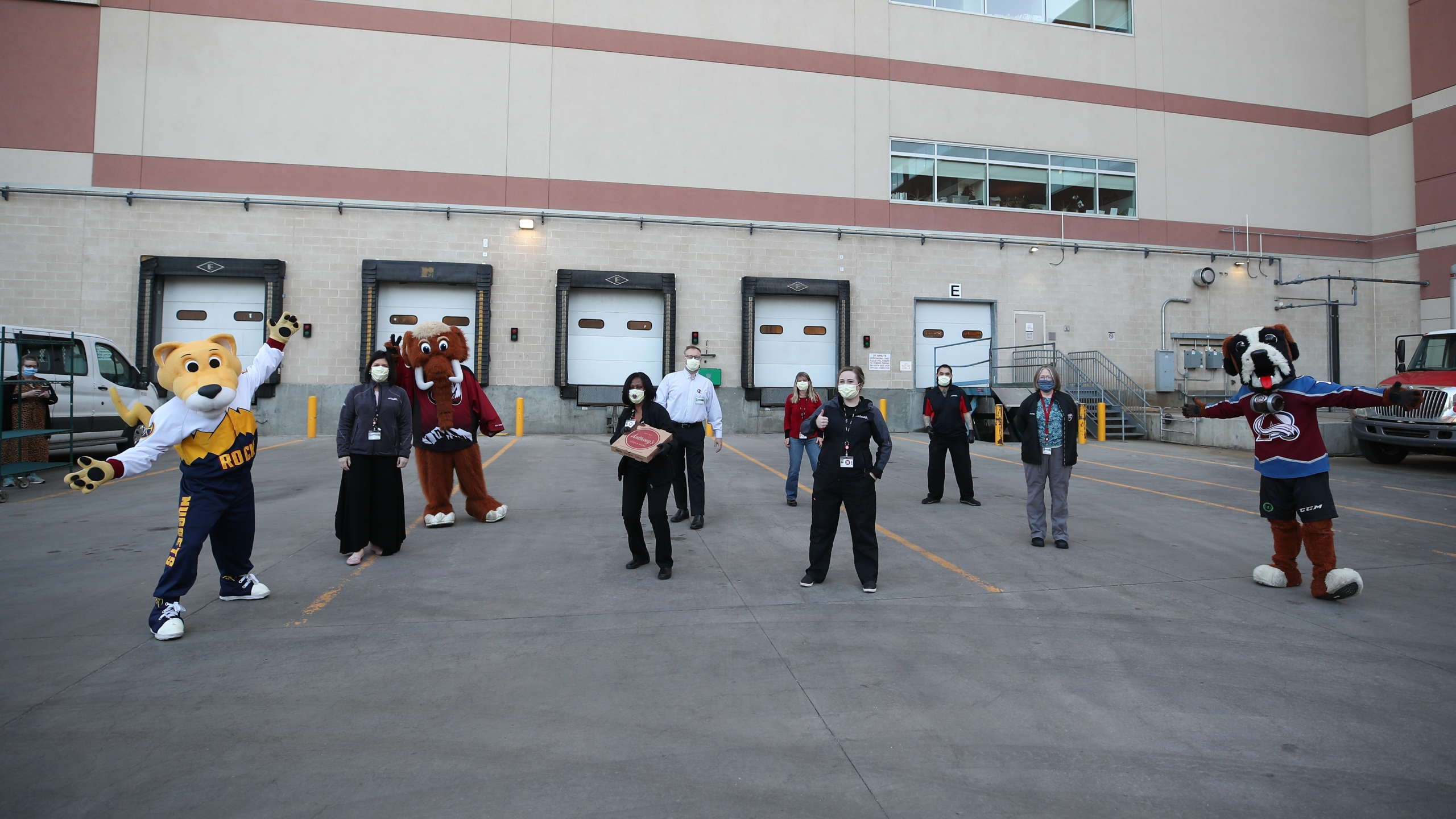 KSE Mascots deliver gift cards and meals to UCHealth, April 24