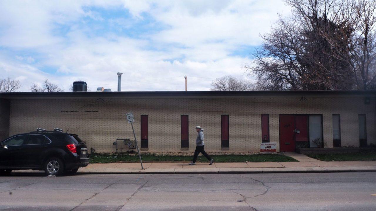 Άδειο βιομηχανικό κτίριο σε μισό στρέμμα Tennyson πολλά πωλεί για $2.5 M