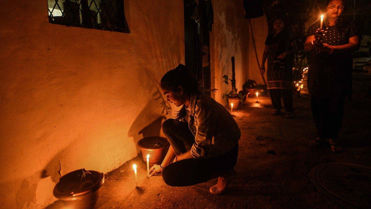 India mengamati nasional untuk berjaga-jaga dalam menunjukkan solidaritas dalam perjuangan melawan coronavirus