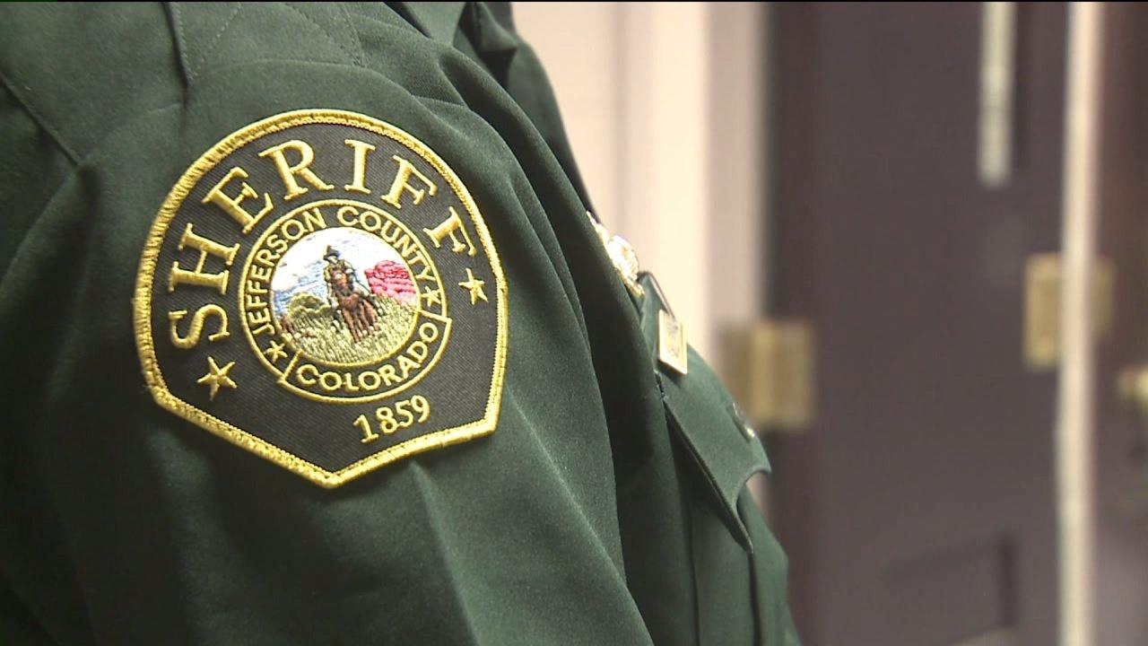 Jefferson County sheriff deputizes petugas lebih; mengurangi yang akan pergi ke penjara