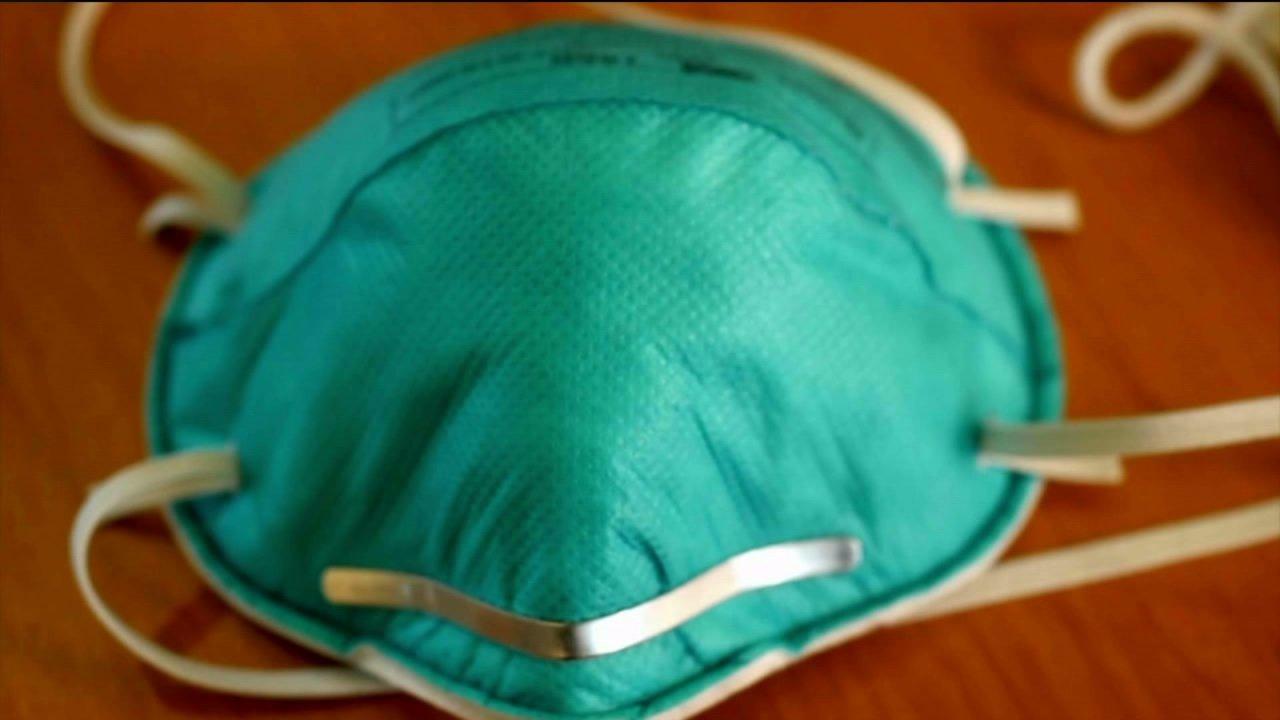 Northern Colorado perusahaan menemukan lebih dari 10K masker, menjual mereka di biaya untuk rumah sakit