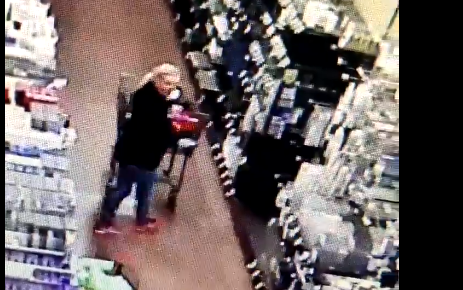 Parker police looking for woman seen slapping grocery store employee after refusing to wear mask - FOX 31 Denver